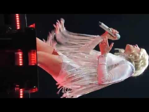 Carrie Underwood- Heartbeat (Storyteller Tour: Tulsa Oklahoma)