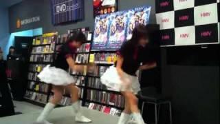 2011.8.30 HMVパークプレイス大分店でのDVD手売り会終了後に行われた百...