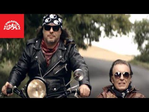 Karel Gott & Petr Kolář - To jenom láska zastaví čas  (oficiální video)