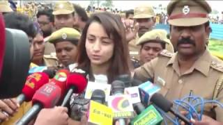 Actress Trisha Pays Respect to Jayalalithaa at Memorial