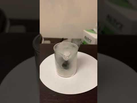 オススメ動画超危険五酸化二リンと砂糖の混合物に水をかけてみた