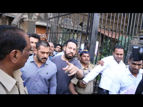 Salman Khan Walks Out from Bombay High Court as a Free Man
