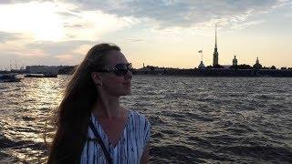 Смотреть видео Летний Санкт-Петербург. Белые ночи в июле. Когда лучше всего ехать в Питер? онлайн