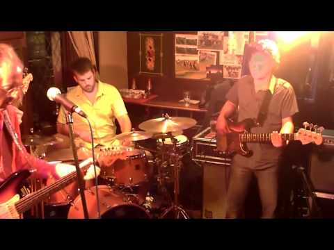 Ain't No Sunshine by The Rob Livesey Trio with Scott Whitley guesting on Piccolo Bass.