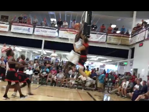 Zion sacrifices his body for the block in AAU game [2017]