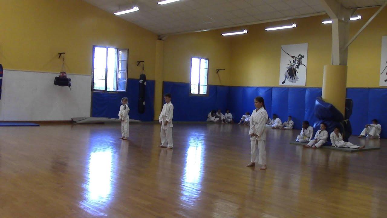 7c7d7f28cfd6 KATA HEIAN SHODAN ceintures blanches - YouTube