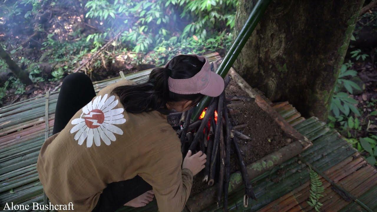 LIVING OFF GRID — Bushcraft Camp in the Rainforets, Survival Instinct — Alone Bushcraft Ep.9