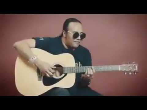 Lagu tenonet untuk  pemandu lori  (dari  kumpulan khalifah )