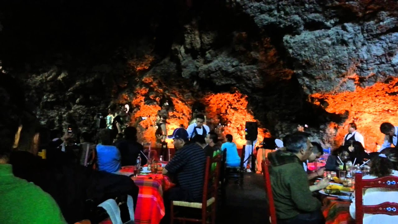 Restaurante La Gruta Teotihuacán - YouTube