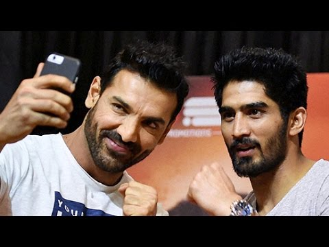 JOHN ABRAHAM AT WBO ASIA PACIFIC SUPER MIDDLE WEIGHT CHAMPIONSHIP | Bollywood News