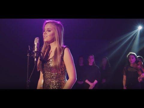 Symphony le Zara Larssson /Clean Bandit as Gaeilge