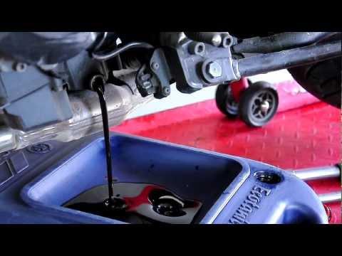 MotoBonus - Wymiana oleju w motocyklu / motorcycle oil change Yamaha FZ6 s2