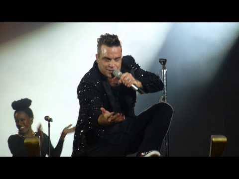 Robbie Williams - Hey Wow Yeah Yeah/ Let Me Entertain You (HD) - Wembley Stadium - 29.06.13