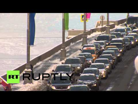 Russia: Severe winter weather gridlocks Moscow