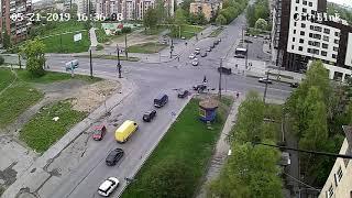 Перекресток Невского и Калинина. Сбили пешехода