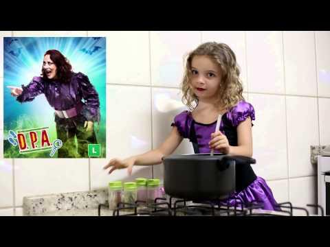 Rafaela - Imitando Dona Leocádia do D.P.A