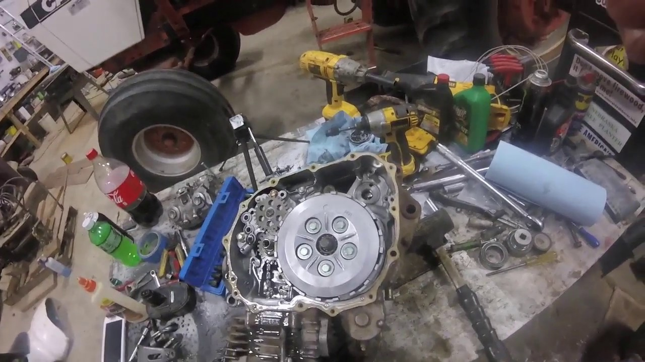 how to take out the timing chain on a trx400ex  [ 1280 x 720 Pixel ]