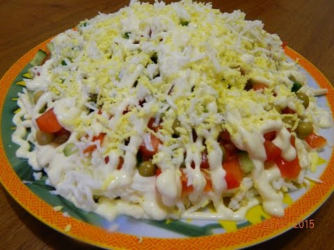 Салат Быстрый (плавленный сырок, яйцо, огурец, помидор, горошек)