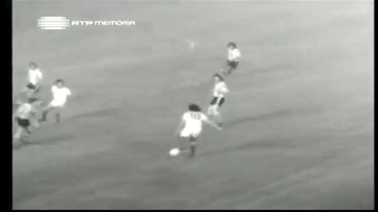 Peres (Sporting) no Portugal - 3 x Argentina - 1 da Minicopa 1972 - Fase Final Grupo B