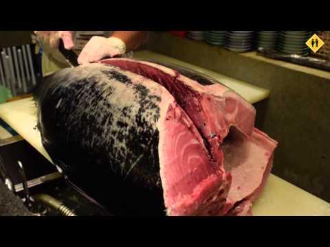 Bluefin Tuna Cutting Show - Dois de Nós Tokyo