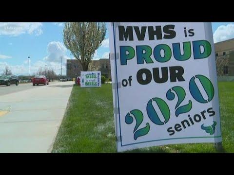 Mountain View High School staff celebrates seniors