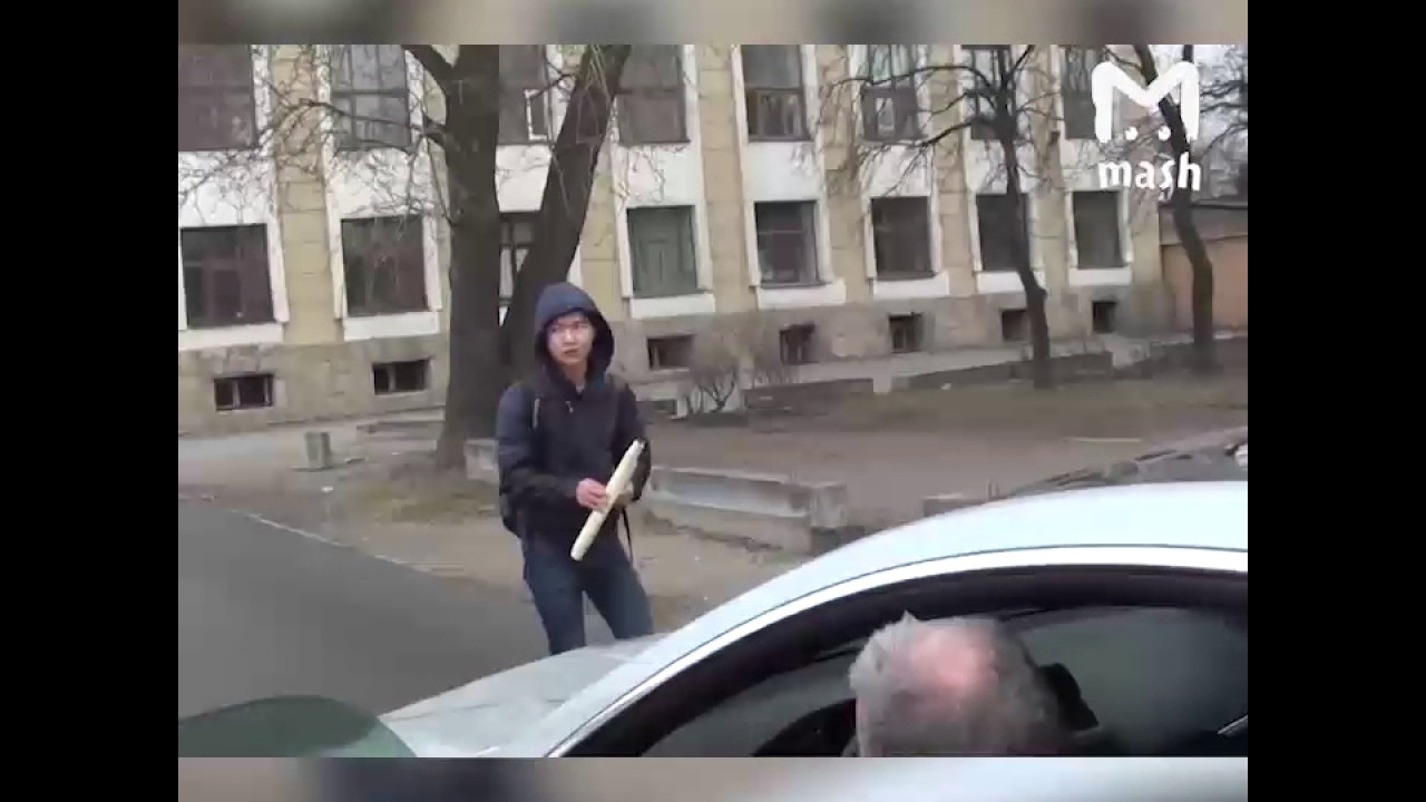 В Санкт Петерубрге сбит активист СтопХам. А затем против него возбуждено дело