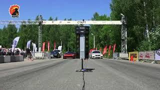 Corvette Coupe (700hp) vs BMW M760Li (610hp)