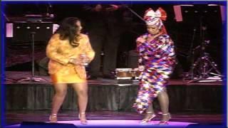 La India & Celia Cruz - La Voz De La Experiencia (En Vivo) HD