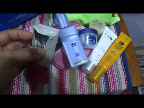 Whats in my Travel Makeup Bag{cabin crew layovers}