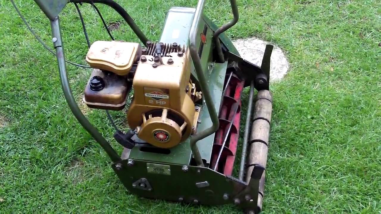 Briggs And Stratton Engine >> Webb Cylinder Mower - YouTube