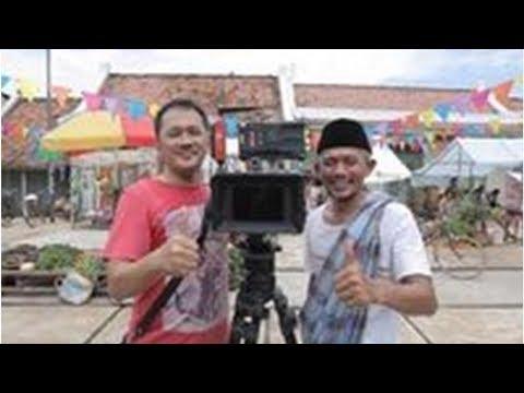 Kill The DJ Gandeng Hanung Bramantyo Buat 'Goyang Jempol Jokowi Gaspol'
