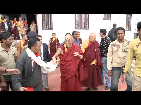 HH The Dalai Lama Departs the Orissa Monastery after the Grand Opening