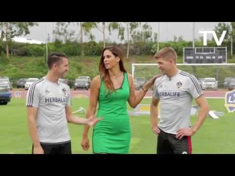 Keane, Gerrard, Husidic and DeLaGarza doing football challenges at LA Galaxy LOOKS LIKE GREAT FUN