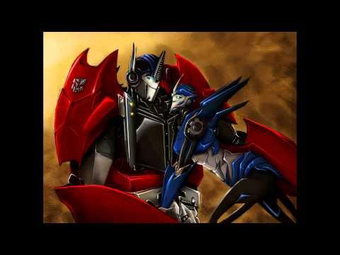 TFP: Optimus Prime Kiss Arcee