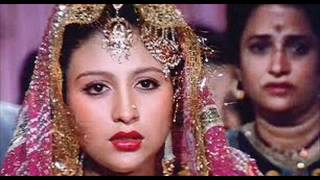Download AAJ RAAT CHANDNI HAI.wmv MP3 song and Music Video