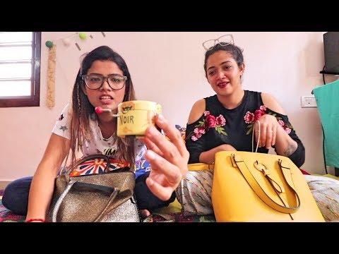 What's in her bag? | AG Vlogs EP 17 | Amrutha Suresh | Abhirami Suresh |
