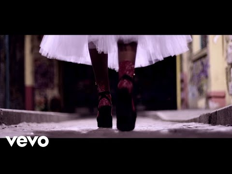 Ian Ikon - Manhattan Queen (Official Video) ft. Maria Zlatani