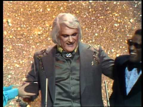 Charlie Rich Wins Favorite Male Country Artist  AMA 1975