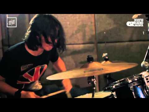 LIVE & LOUD : PILOTZ BAND - MEMANG AKU