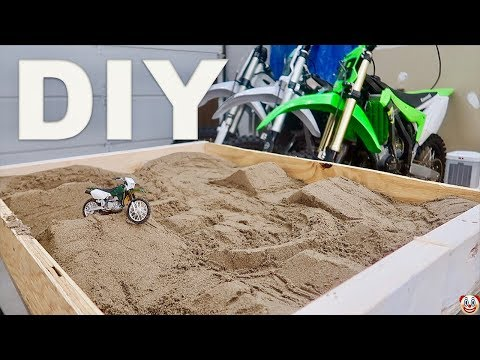 DIY INDOOR MX TRACK...😹
