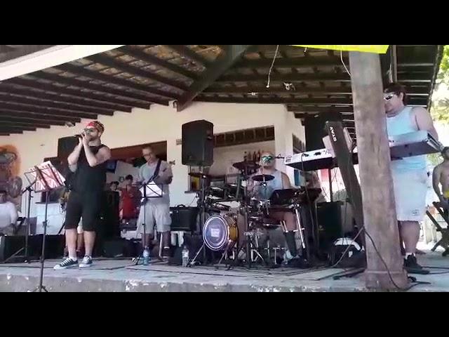 Banda CONEXÃO CENTRAL no pé na areia 14 de 12 de 2018