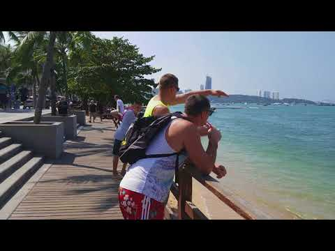 Walking from Central Festival to Walking Street by Beach Road, Pattaya