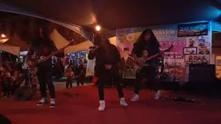 Stranger Rock 39 N 39 Roll Bangsat Live.mp3