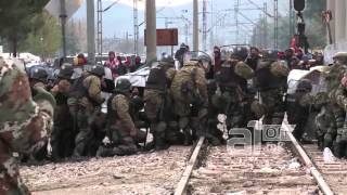 Migrants Attack Police Macedonia
