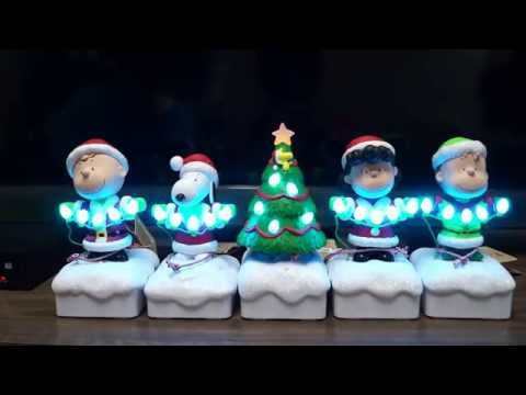 Peanuts Gang Christmas Music and Light Show
