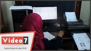 بالفيديو.. شاهد كيف يتم تصحيح امتحانات التعليم المفتوح