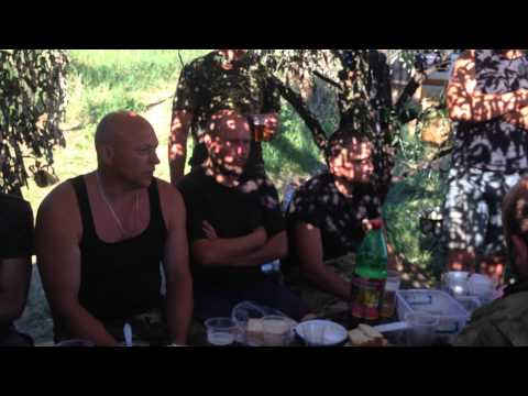 Отці Василіяни заспівали разом ізвійськовими патріотичні пісні напередовій