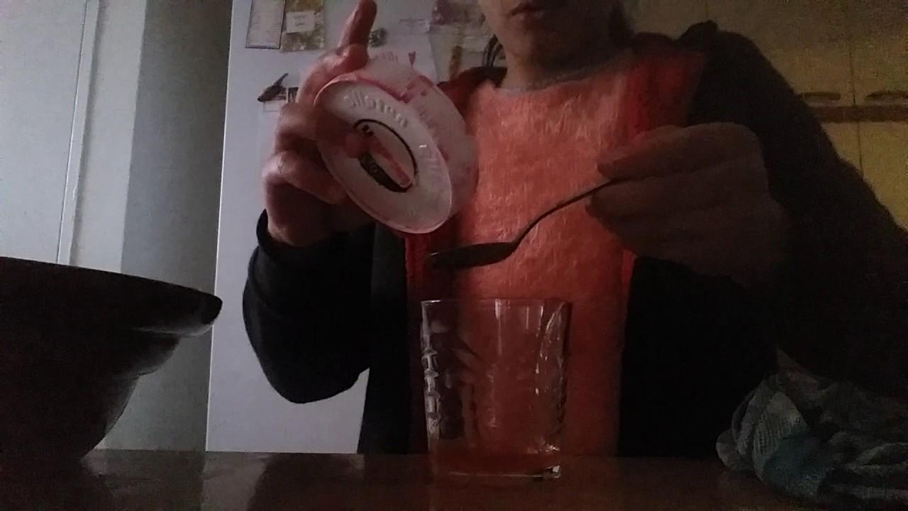 Comment mon faire du faux sang et aussi du colorant youtube - Fabriquer du faux sang ...