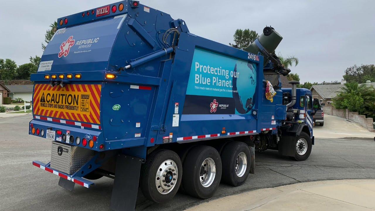 Republic Services of Anaheim's New Fleet // 520 Heil Side Loaders