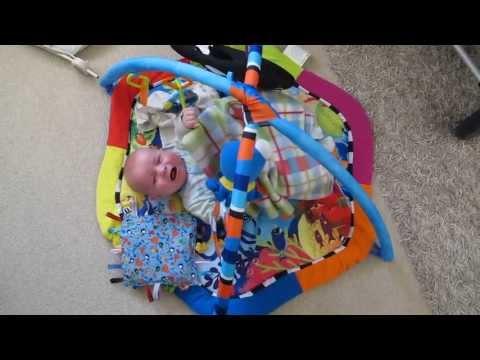 Bayi Berusia 15 Minggu Berbicara